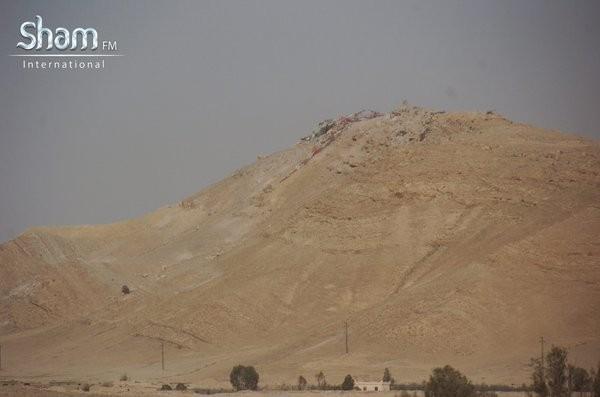Video + Ảnh: Ác liệt trận chiến giành thành phố cổ Palmyra ảnh 9