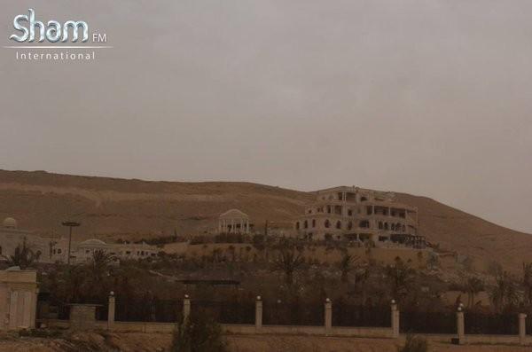 Video + Ảnh: Ác liệt trận chiến giành thành phố cổ Palmyra ảnh 13