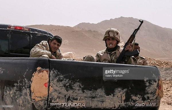 Video + Ảnh: Ác liệt trận chiến giành thành phố cổ Palmyra ảnh 19