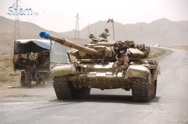 Video + Ảnh: Ác liệt trận chiến giành thành phố cổ Palmyra ảnh 23