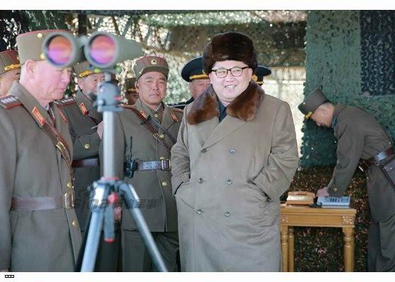 Cận cảnh uy lực pháo binh của Quân đội Nhân dân Triều Tiên trong diễn tập ảnh 17