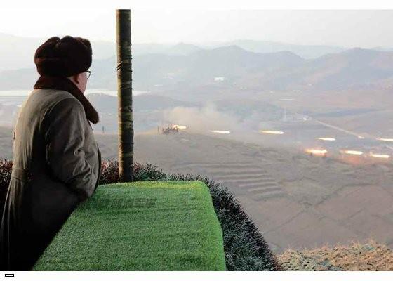Cận cảnh uy lực pháo binh của Quân đội Nhân dân Triều Tiên trong diễn tập ảnh 23