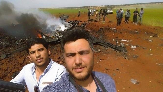 Sốc: Al-Nusra sử dụng tên lửa vác bắn rơi máy bay Su-22 Syria ảnh 1
