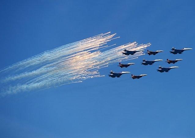 Nga khoe 170 loại vũ khí hạng nặng mừng Ngày Chiến thắng ảnh 2