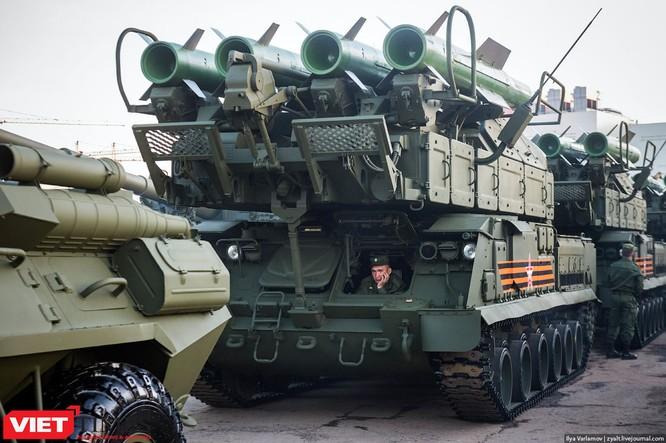 Cận cảnh hậu trường cuộc diễu hành ngày Chiến thắng quân đội Nga ảnh 2