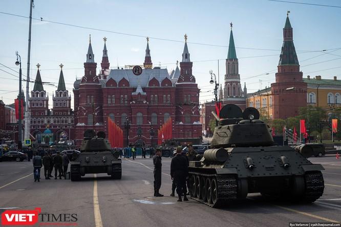 Cận cảnh hậu trường cuộc diễu hành ngày Chiến thắng quân đội Nga ảnh 29