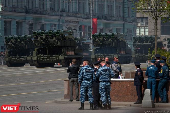 Cận cảnh hậu trường cuộc diễu hành ngày Chiến thắng quân đội Nga ảnh 36