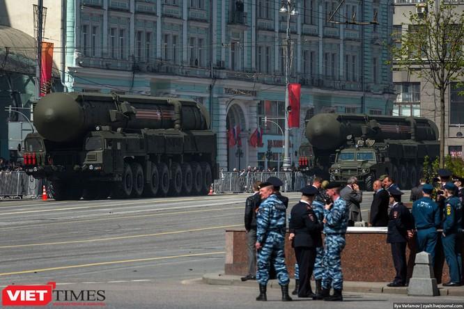 Cận cảnh hậu trường cuộc diễu hành ngày Chiến thắng quân đội Nga ảnh 40