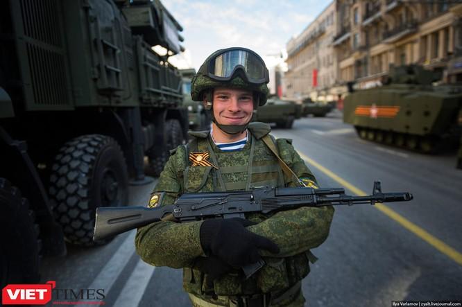Cận cảnh hậu trường cuộc diễu hành ngày Chiến thắng quân đội Nga ảnh 50
