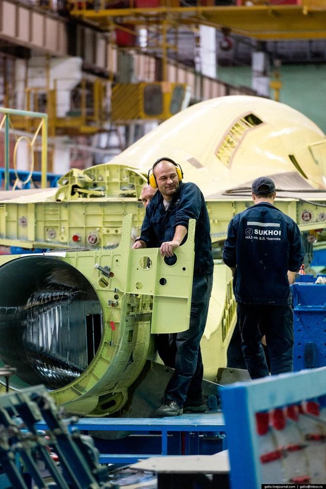 Chùm ảnh xưởng lắp ráp Su-34 Fullback Việt Nam dự kiến trang bị ảnh 3