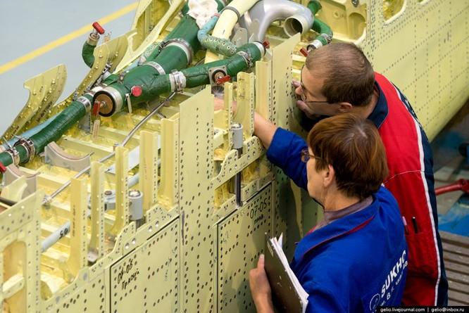 Chùm ảnh xưởng lắp ráp Su-34 Fullback Việt Nam dự kiến trang bị ảnh 4