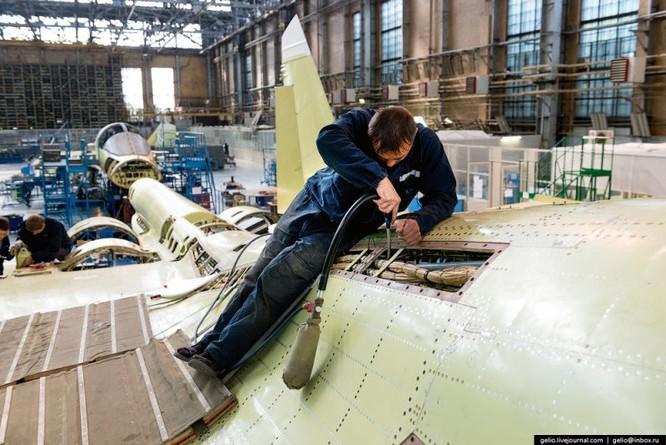 Chùm ảnh xưởng lắp ráp Su-34 Fullback Việt Nam dự kiến trang bị ảnh 18