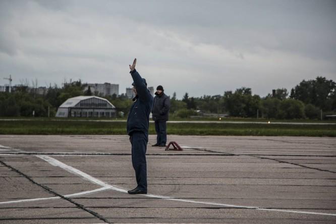 Video: Cận cảnh máy bay tim kích MiG-29UMT Nga huấn luyện ảnh 7