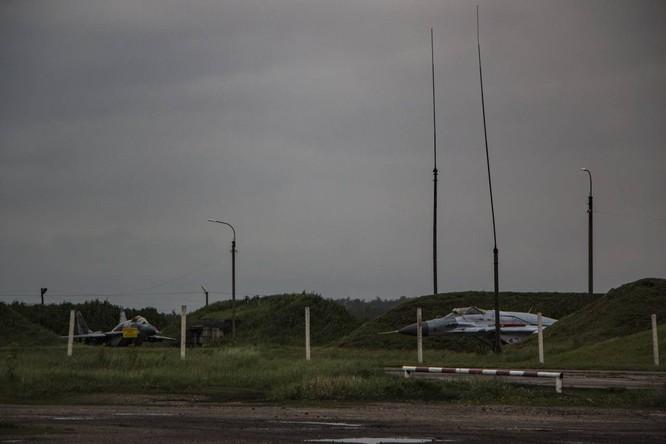 Video: Cận cảnh máy bay tim kích MiG-29UMT Nga huấn luyện ảnh 24