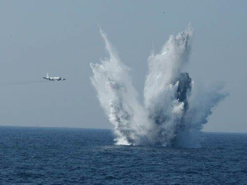 """Việt Nam có thể mua 6 """"sát thủ"""" săn ngầm P-3 Orion Mỹ (Video) ảnh 3"""