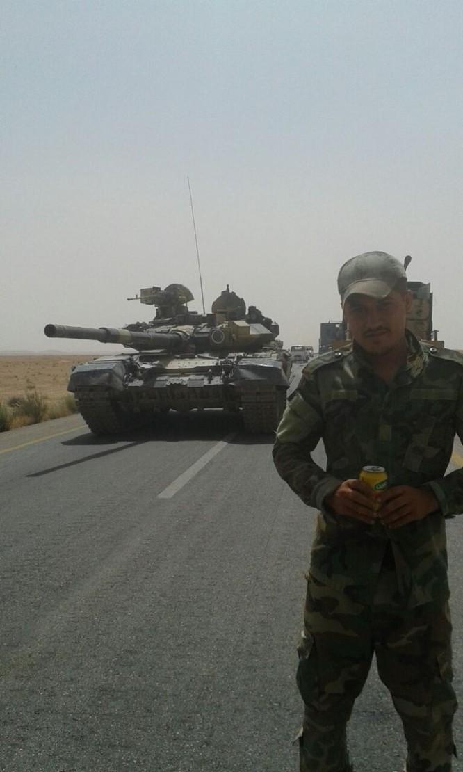 Báo Ả Rập: Đã có binh sĩ quân đội Syria tử trận trên sa mạc Raqqa ảnh 1