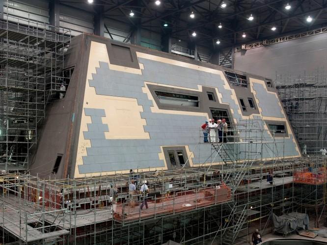 Khu trục hạm dự án DDG-1000 Zumwalt, siêu phẩm công nghệ tương lai ảnh 2