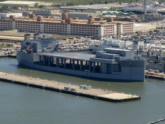 """Biển Đông nóng, Mỹ tính xây tổ hợp căn cứ nổi """"đấu"""" Trung Quốc ảnh 1"""