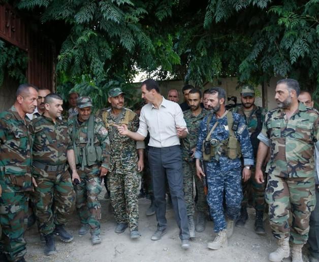 Video: Tổng thống Syria Al Assad thăm chiến trường Đông Ghouta – Damascus ảnh 3