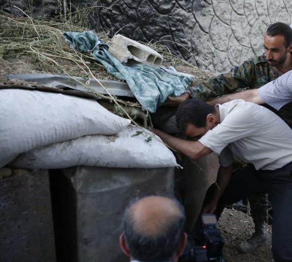 Video: Tổng thống Syria Al Assad thăm chiến trường Đông Ghouta – Damascus ảnh 7
