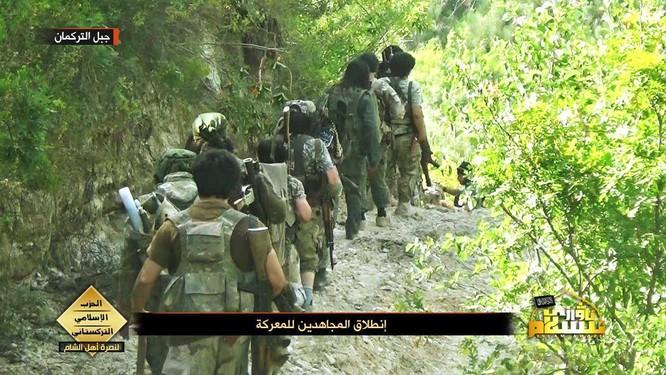 Lực lượng đảng Hồi giáo Turkmen tấn công ở Latakia ảnh 4