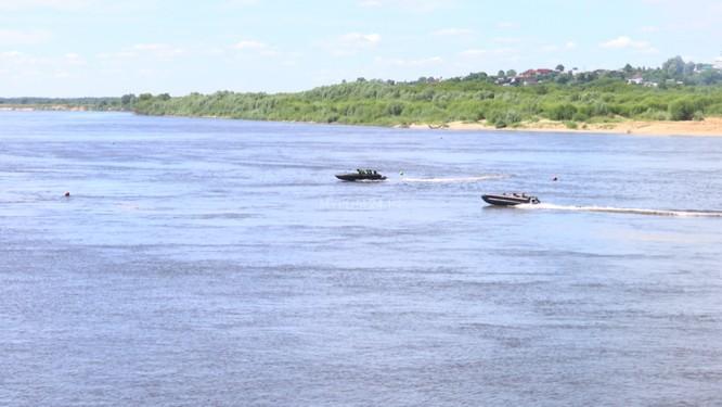 Video: Lực lượng công binh Nga dũng mãnh vượt sông Oka ảnh 3