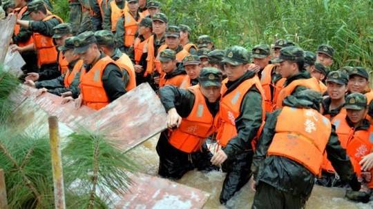 Lũ kinh hoàng dọc sông Dương Tử giết chết 180 người Trung Quốc ảnh 3