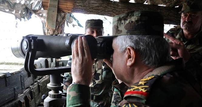 Tổng tham mưu trưởng quân đội Syria thanh tra và chỉ đạo cuộc phản công ở Bắc Latakia ảnh 3