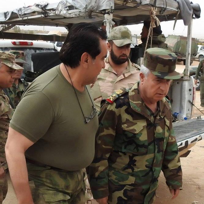 Tổng tham mưu trưởng quân đội Syria thanh tra và chỉ đạo cuộc phản công ở Bắc Latakia ảnh 2