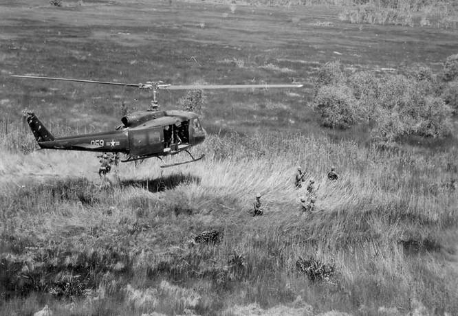 Cuộc chiến thảm bại của trực thăng Mỹ ở Việt Nam ảnh 2