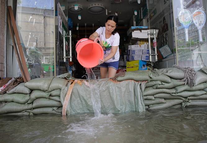 Siêu bão Nepartak gây hỗn loạn chưa từng có trên miền Đông Trung Quốc (video) ảnh 9