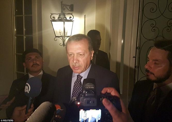 Video, Ảnh toàn cảnh cuộc đảo chính thất bại của quân đội Thổ Nhĩ Kỳ ảnh 3