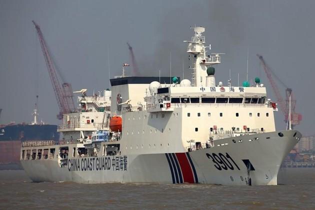 Trung Quốc tung tàu hải cảnh khổng lồ xuống Biển Đông chống phán quyết PCA ảnh 3
