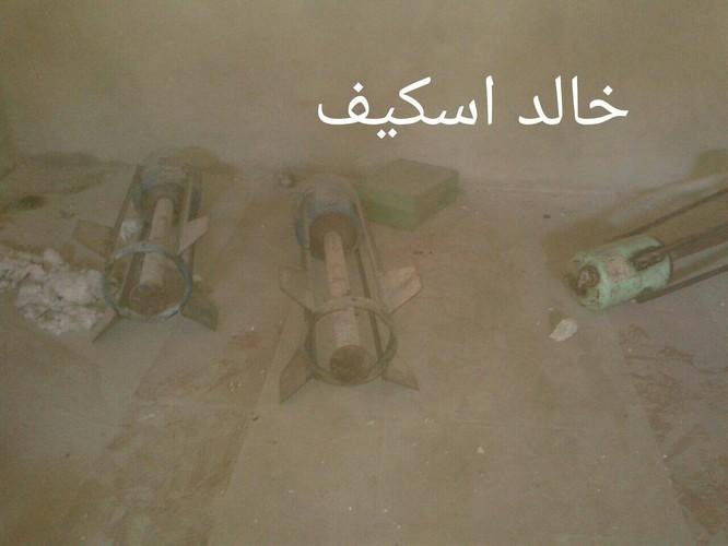 Sư đoàn cơ giới số 14 tiếp tục tấn công trong khu công nghiệp Layramoun ảnh 11