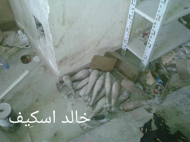 Sư đoàn cơ giới số 14 tiếp tục tấn công trong khu công nghiệp Layramoun ảnh 13