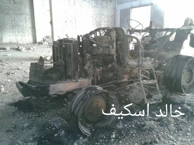 Sư đoàn cơ giới số 14 tiếp tục tấn công trong khu công nghiệp Layramoun ảnh 7