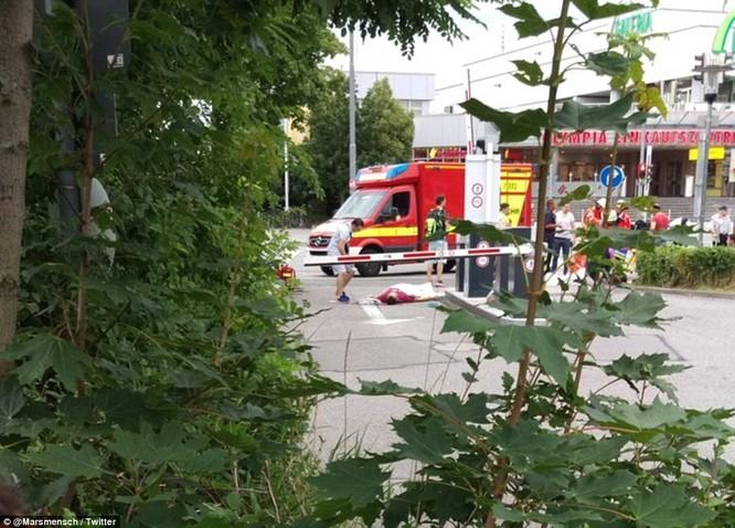 Nổ súng tại trung tâm mua sắm ở Munich, 9 người thiệt mạng ảnh 2