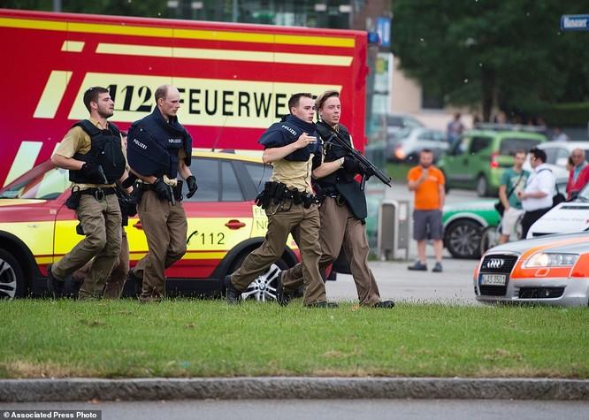 Cảnh sát Đức tại hiện trường