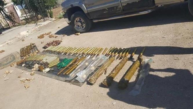 Quân đội Syria thu được nhiều đạn dược của IS, trong đó có đạn có nguồn gốc từ Mỹ ảnh 1