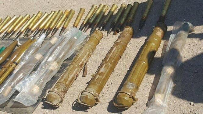 Quân đội Syria thu được nhiều đạn dược của IS, trong đó có đạn có nguồn gốc từ Mỹ ảnh 4