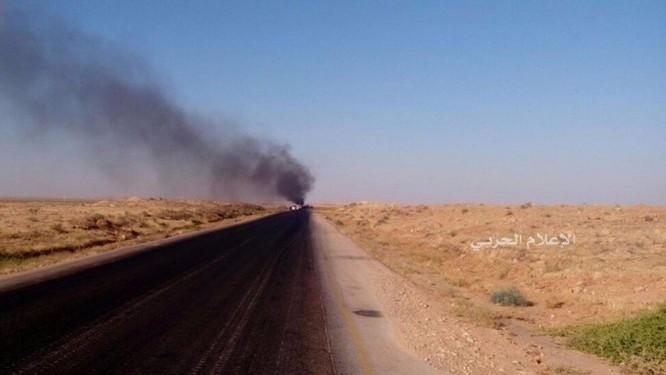 Lực lượng NDF bắn tan xác một chiếc xe đánh bom khủng bố ảnh 1