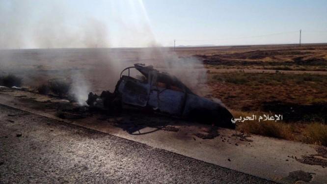 Lực lượng NDF bắn tan xác một chiếc xe đánh bom khủng bố ảnh 2