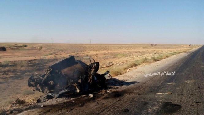 Lực lượng NDF bắn tan xác một chiếc xe đánh bom khủng bố ảnh 3