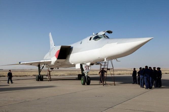 Nga triển khai máy bay ném bom chiến lược Tu-22M3 tại Iran ảnh 1