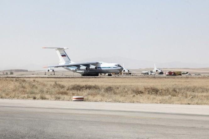 Nga triển khai máy bay ném bom chiến lược Tu-22M3 tại Iran ảnh 2
