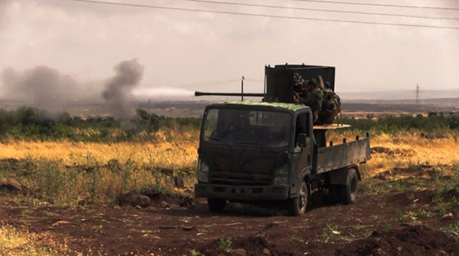 Giao chiến ác liệt tiếp tục trên chiến trường Aleppo, Hama ảnh 4