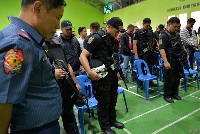 """Cuộc chiến """"chống ma túy"""" đẫm máu ở Philipines ảnh 17"""