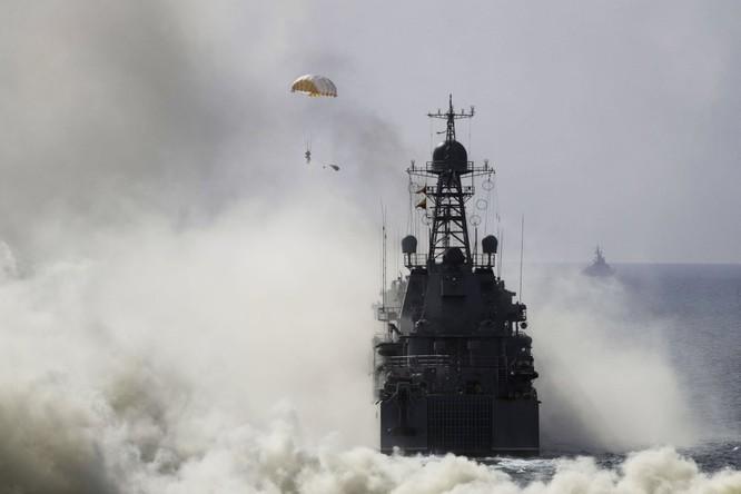 Cuộc diễn tập quy mô lớn của quân đội Nga tại Crimea (video) ảnh 5