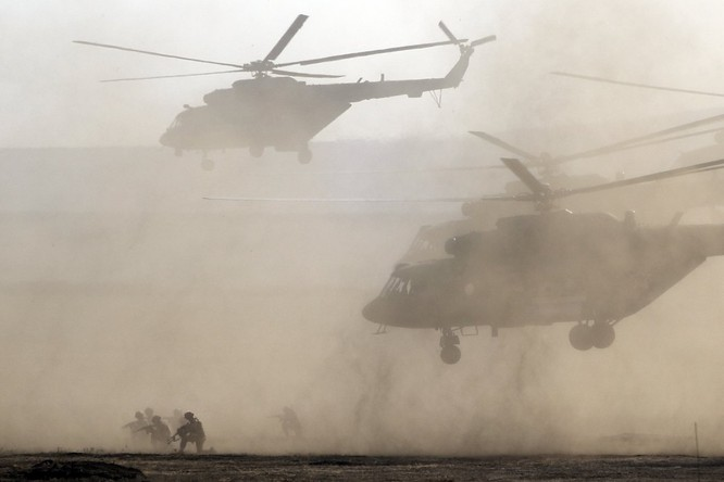 Cuộc diễn tập quy mô lớn của quân đội Nga tại Crimea (video) ảnh 10