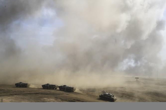 Cuộc diễn tập quy mô lớn của quân đội Nga tại Crimea (video) ảnh 11
